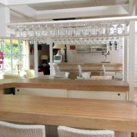 Hotel Pictures: Fasthotel Toulon, Cuers