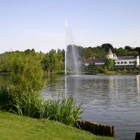 Hotel Pictures: Martin's Château Du Lac, Genval