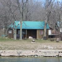 Hotel Pictures: Lake Wolsey Cabins, Gore Bay