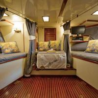 Cabin on Boat with Twin Beds