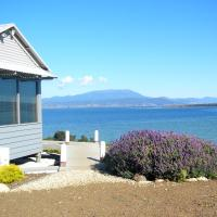 Hotel Pictures: The Boat Shed, Opossum Bay