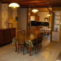 Hotel Pictures: Gite au Chalet, Laferté-sur-Aube