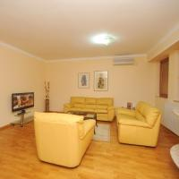 Royal One-Bedroom Apartment 5 - Marks Engels Str.