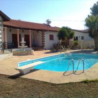 Hotel Pictures: Villa Androulla, Maroni