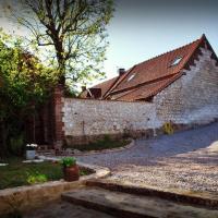 Hotel Pictures: Chez Fifine, Mont-Saint-Éloi