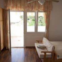 Studio Apartment with Sea View (2 Adults)