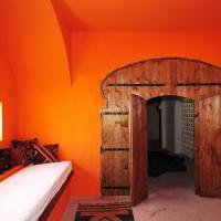 Triple Art Room