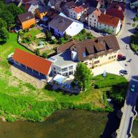 Hotel Pictures: Landgasthof zum Hirschen, Tauberrettersheim