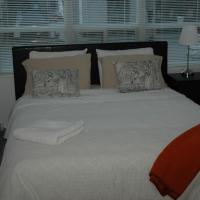 Superior One-Bedroom Apartment- 270 Wellington Street West
