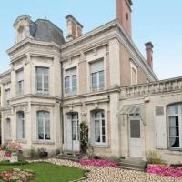 Hotel Pictures: Le Grand Maulne, Le Lude
