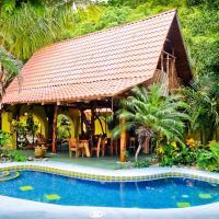 Hotel Pictures: Surf Bikini Retreat, Nosara