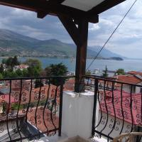 Studio Apartment with Balcony and Lake View