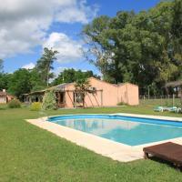 Hotel Pictures: Granja Loma Verde, Brandsen