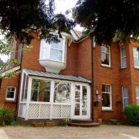 Hotel Pictures: Wimblehurst Hotel, Horsham