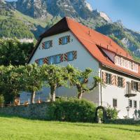 Hotel Pictures: Hotel Restaurant Schlössli Sax, Sax