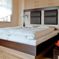 Hotel Pictures: Bergrestaurant Schwedenstein, Steina