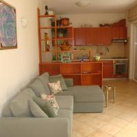 One-Bedroom Apartment with Patio (4 Adults)