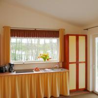 Hotel Pictures: Ferienhäuser Seewiesen, Reimershagen