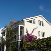 Hotellikuvia: Apartments Puljiz, Sukošan