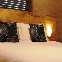 Jesmond Two-Bedroom Chalet wtih Spa Bath