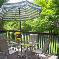 Hotel Pictures: Bed & Breakfast at Chesley Lake, Sauble Beach
