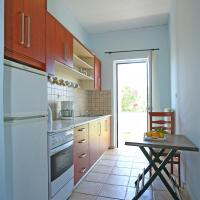One-Bedroom Apartment (2-4 Adults) No1