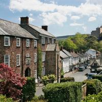 Hotel Pictures: Luttrell Arms, Dunster