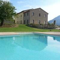 Amico Country House