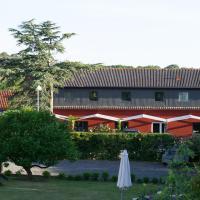 Hotel Pictures: Hos Engholm, Sandvig