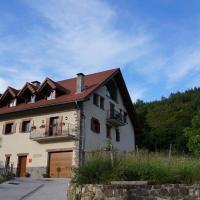 Hotel Pictures: Amalur Etxea, Ezcároz