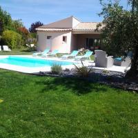 Hotel Pictures: Chambres d'Hôtes Les Roses Trémières, Meschers-sur-Gironde