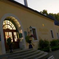 Hotel Pictures: Schlossgasthof Rosenburg, Rosenburg