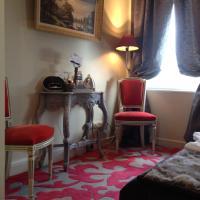 Family Suite VALERAN DE BRETEUIL (2 rooms)