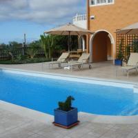 Hotel Pictures: Lagunenhaus, Arona