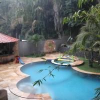 Hotel Pictures: Beach House Ton and Jessy, São Luís
