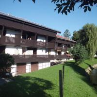Hotel Pictures: Traum-Atelierdachwohnung, Bernau am Chiemsee
