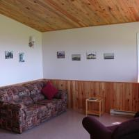 Hotel Pictures: Reid's Sunset Beach Cottages, River John