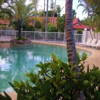 Hotel Pictures: Runaway Bay Motor Inn, Gold Coast