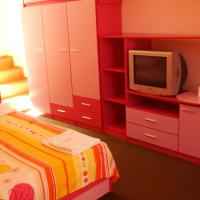 Family Suite (4 Adults +  1 Child)