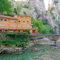 Hotel Pictures: Hostal Poncebos, Poncebos