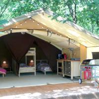 Hotel Pictures: Tente Lodge La Téouleyre, Saint-Julien-en-Born
