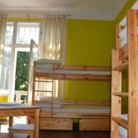 Bed in Dormitory Room (6 adults)