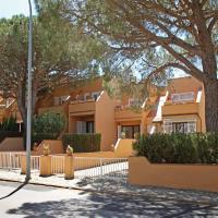 Hotel Pictures: Casa adosada en Playa de Pals, Pals