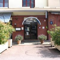 Hotel Pictures: Inter-Hotel Le Chapon Fin, Moissac