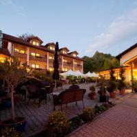 Hotel Pictures: Aktivhotel Crystal, Sankt Oswald