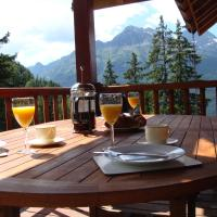 Hotel Pictures: Chalet Clementine, LAlpe-dHuez