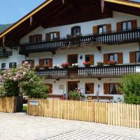 Hotelbilleder: Landpension im Alten Knoglerhof, Schleching
