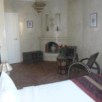 Laaouina Twin Room
