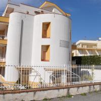 Hotellbilder: Taormina Mare Appartamento 300 Metri dal Mare, Giardini Naxos