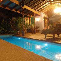 Hotel Pictures: The Sanctuary Adult Retreat Christmas Island, Flying Fish Cove